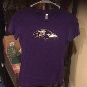 Women's ravens shirt size med euc